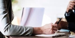 Passer par un courtier en assurance de prêt immobilier, est-ce valable ?