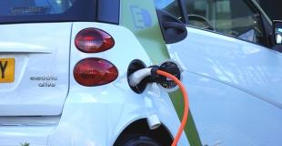 Quelle assurance auto pour une voiture hybride ou 100% électrique ?