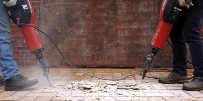 Artisan du bâtiment sans garantie décennale : quels risques encourus ?