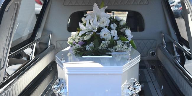Qui doit payer les obsèques si le défunt n'a pas d'assurance ?